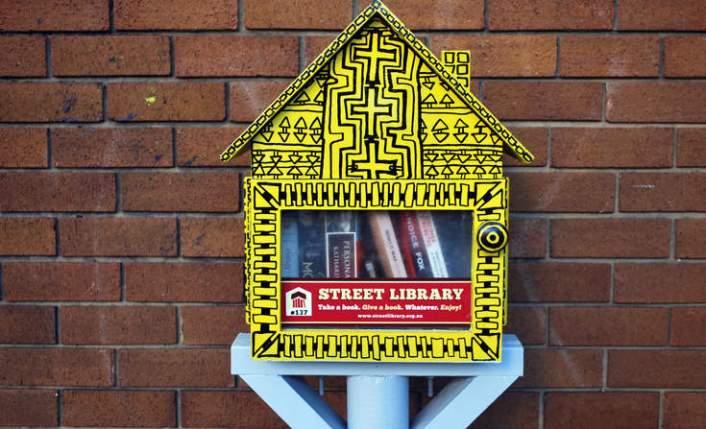 mailbox_catrinhaze_sstock